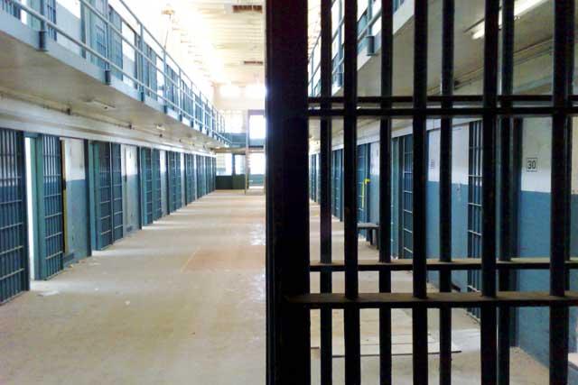 2009-10-20-Prisoner3.jpg