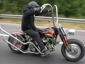 2009-10-20-coolcarharley.jpg