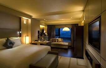 2009-10-26-BJSWFHI_Hilton_Beijing_Wangfujing_home_right.jpg