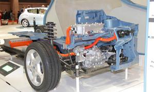 2009-10-30-nissanleafrdrivetraintokyomotorshow.jpg