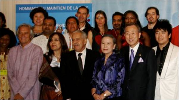 2009-10-31-UN_Birthday_Rocks_For_Peacemakers_E_4.0.jpg