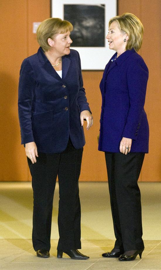 2009-11-09-clintonmerkel.jpg