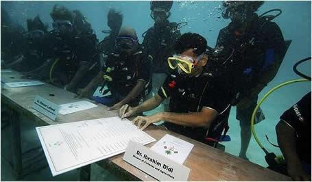 2009-12-10-maldivesmeeting.jpg