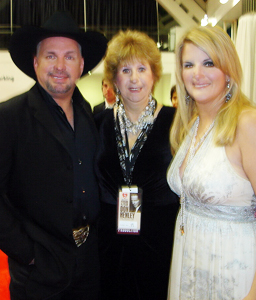 Garth Brooks Is Back & He's Got One Fan With A Cause ...