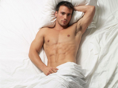 2009-12-14-Man_in_BedHandsome_Men_freeco