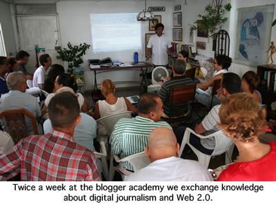 2009-12-16-academia_bloggercopy.jpg
