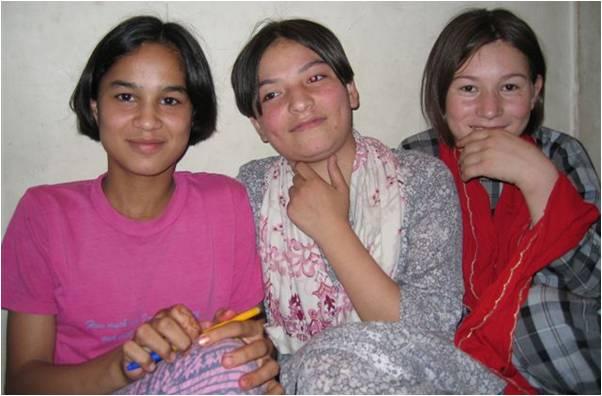 2009-12-22-Andeisha_Farid_Orphaned_Children_Afghanistan_4.0_D.jpg