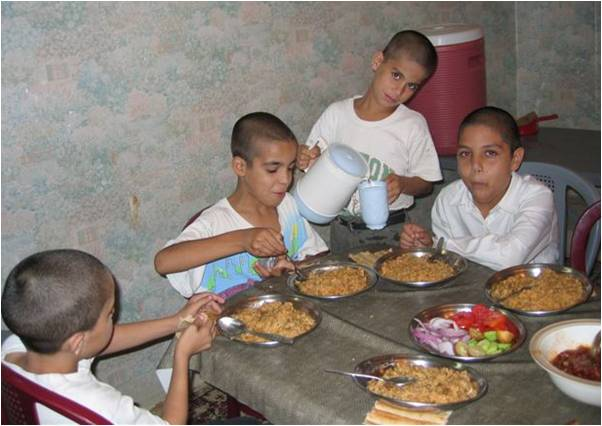 2009-12-22-Andeisha_Farid_Orphaned_Children_Afghanistan_4.0_F.jpg