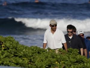2009-12-27-Obamabeachblog300x227.jpg