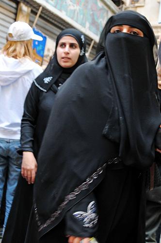 2010-01-06-niqab3.jpg