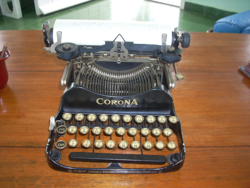 2010-02-06-typewriter.JPG