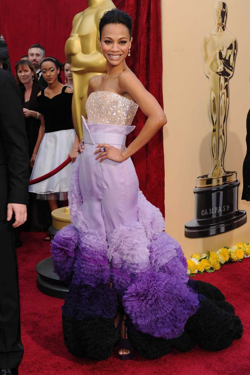 Zoe Saldana Oscars 2010: Purple Pom Poms (PHOTO) | HuffPost
