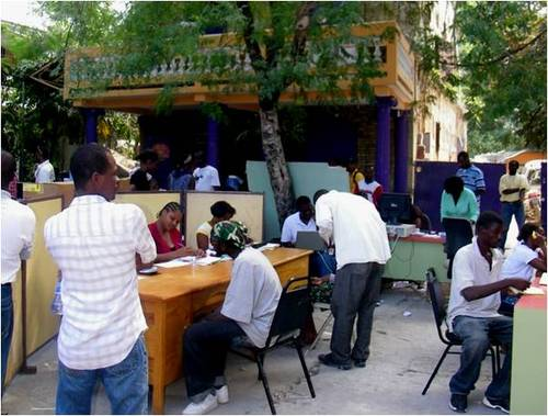 2010-03-15-Fonkoze_Helps_Rebuild_Haiti_Through_Microfinance_4.0_B.jpg