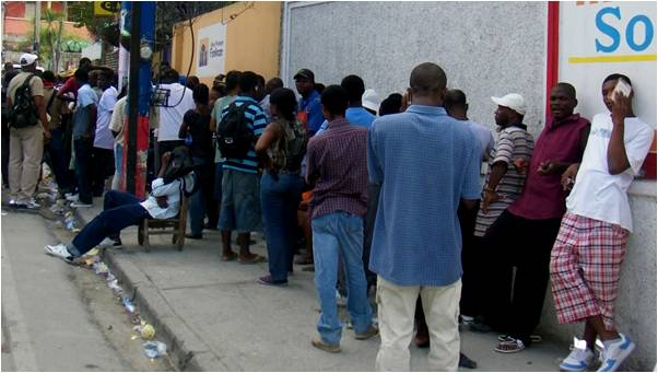 2010-03-15-Fonkoze_Helps_Rebuild_Haiti_Through_Microfinance_4.0_C.jpg