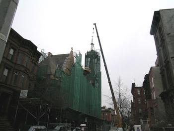 2010-03-16-spire_craned.jpg