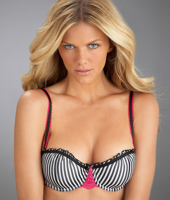 2010-03-19-11431_Brooklyn_Decker_12_122_1005lo.jpeg