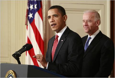 2010-03-22-Obamaafterhealthcarepasses.jpg