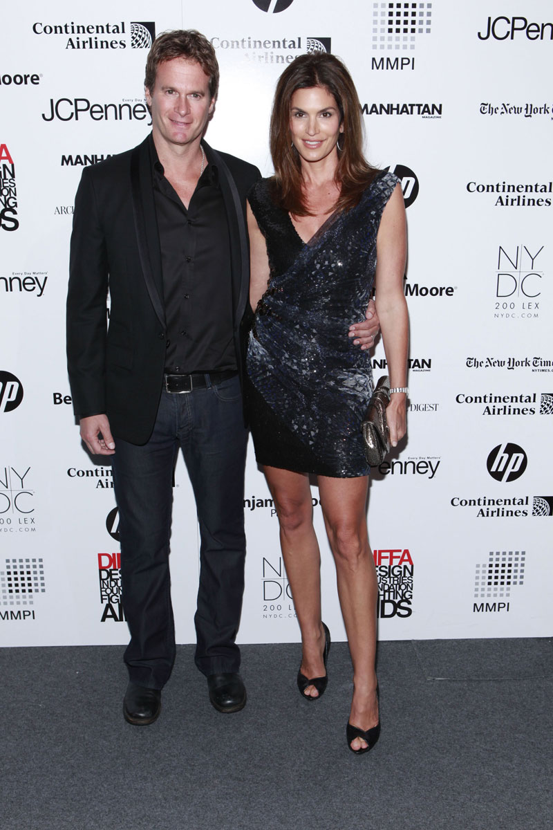 Cindy Crawford, Her Husband & Her Legs Step Out In New York (PHOTO ...