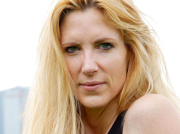 2010-03-27-Ann_Coulter_in_p_548021gmb.jpg