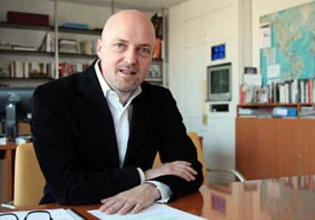 2010-03-28-CEOPierreLouetteResignedAFP.jpg