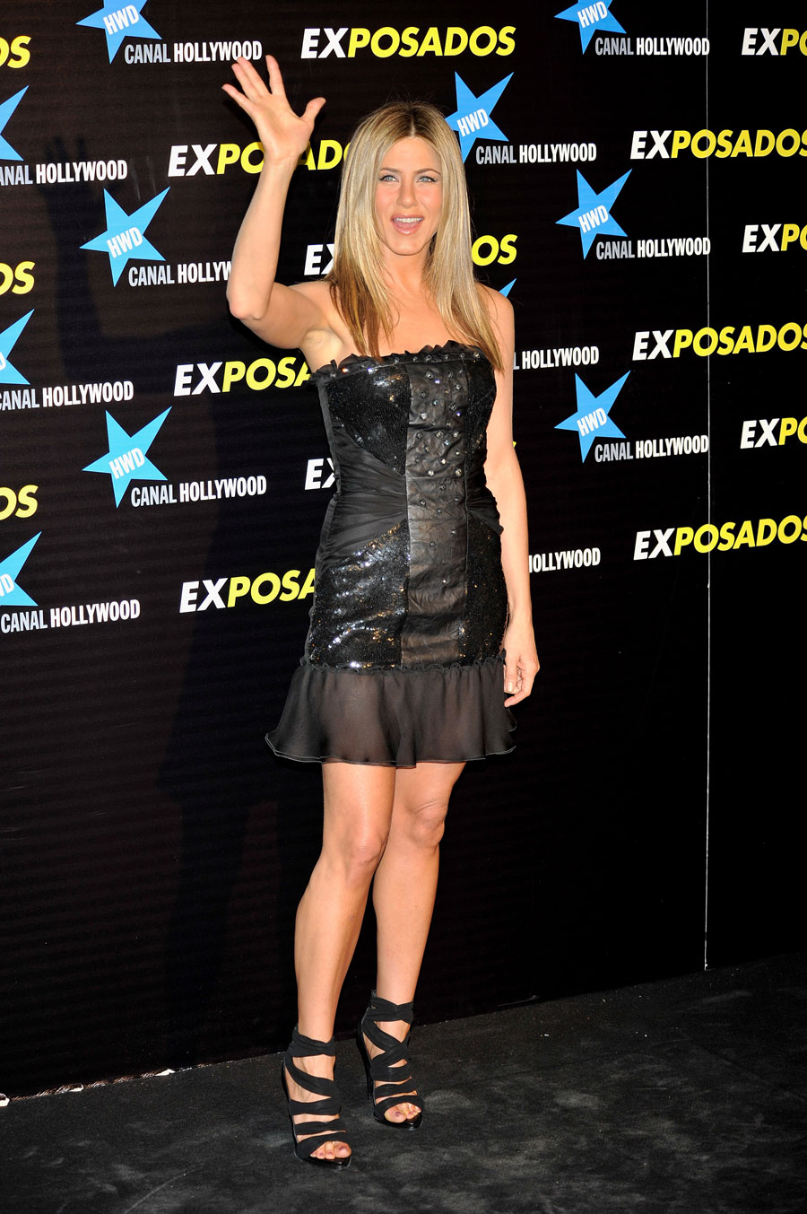 2010-03-30-JENNIFERANISTON.jpg