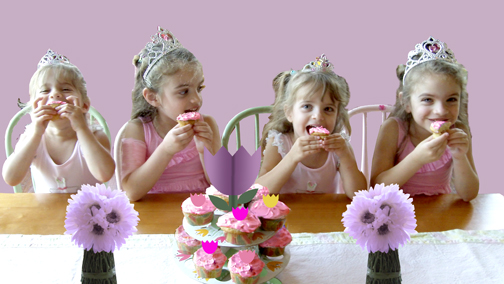 Leisa's girls enjoy their cupcakes