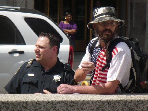 2010-04-17-0005.NeoNaziprotectedbypoliice.jpg