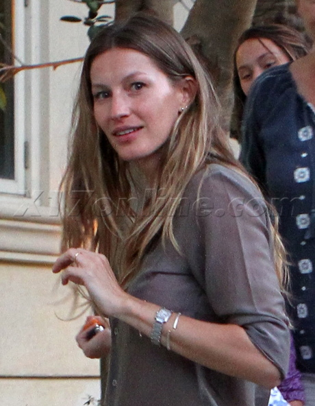 lady gaga no makeup 2010. 2010-05-24-GiseleWithoutMakeup