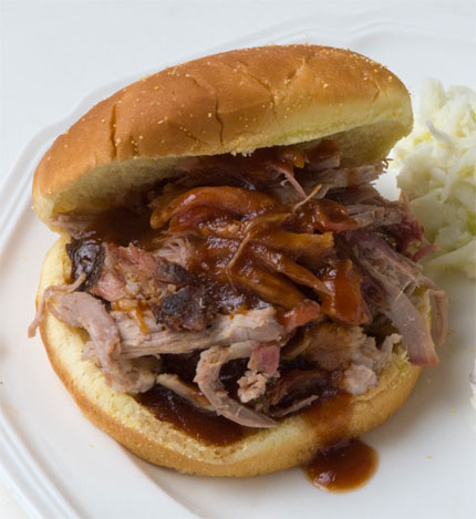 2010-05-26-pulled_pork_sandwich.jpg