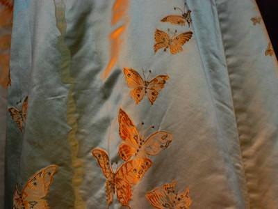 2010-06-06-story_xlimage_2010_05_R5858_Butterflies_on_Heiress_Gown_MET_Exhibit_05032010.jpg