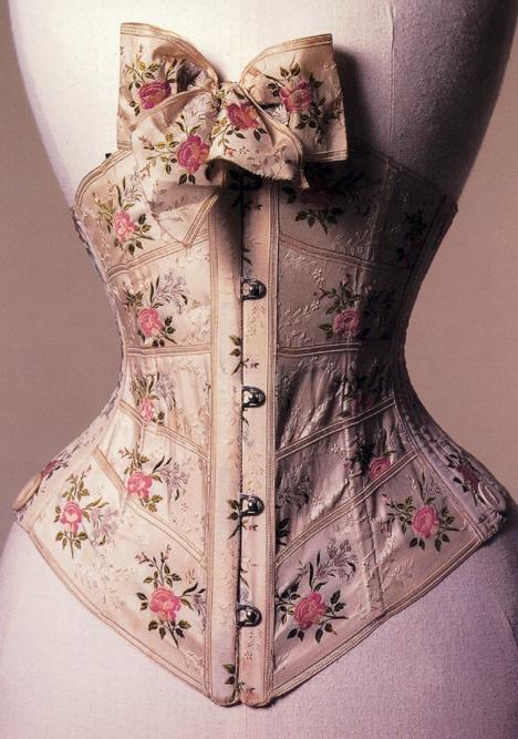 2010-06-06-thm1902_ribbon_corset_for_Sbend_MusBath.jpg