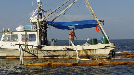 2010-06-08-fishermanoilboom.jpg