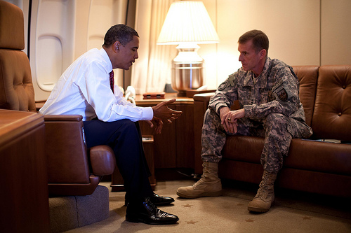 2010-06-22-ObamaMcChrys1.jpg