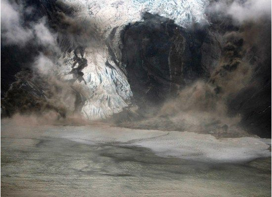 2010-07-04-1.Icelandicvolcano.jpg