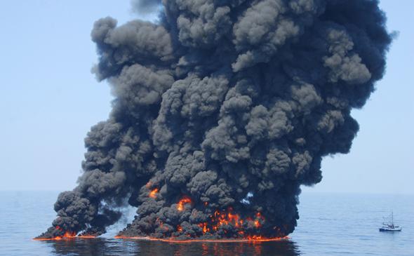 2010-07-10-oil_spill_deepwater_590px.jpg