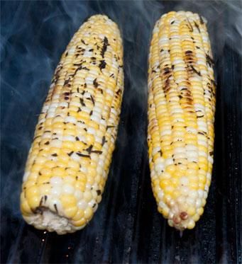 2010-07-21-grilling_corn.jpg