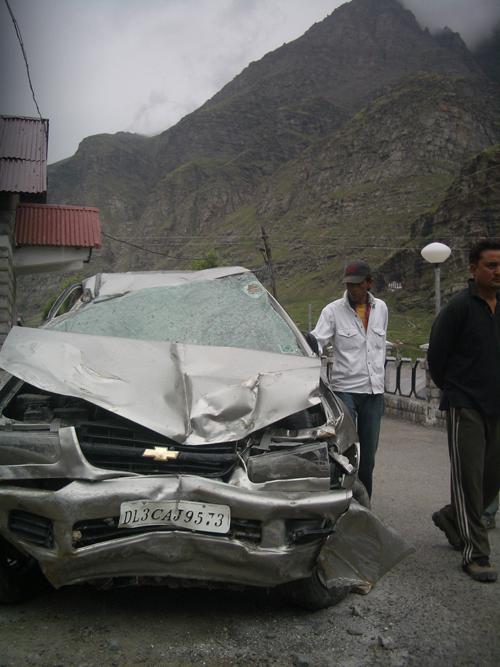 2010-07-21-ladakhcarcrash.jpg
