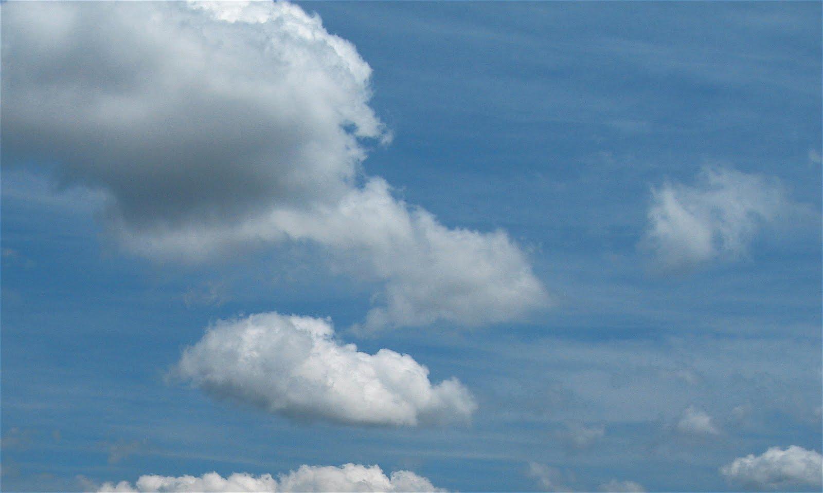 2010-07-25-Dark_Clouds.jpg