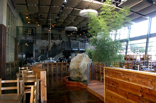 2010-08-03-interior1_07_12cc.jpg