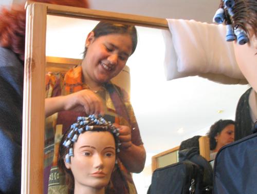 2010-08-05-beautyschoolkabul.jpg