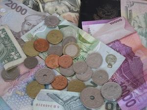 2010-08-07-travelmoney.jpg