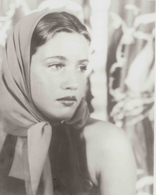 Little edie 39 s enduring legacy huffpost - Edith bouvier beale grey gardens ...