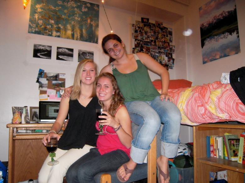 2010-08-17-MelanieCCdormroom2009.jpg