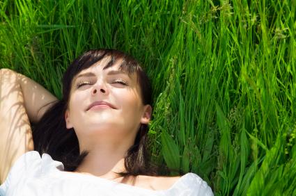 2010-08-18-woman.grass.jpg
