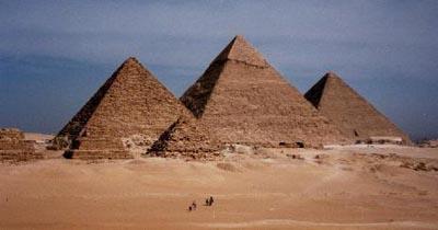 2010-08-21-greatpyramids.jpg