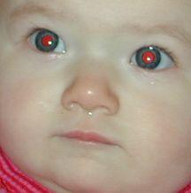 Efectul de ochi roșii