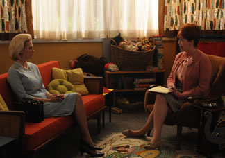 2010-08-24-episode5bettyedna.jpg