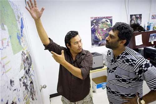 2010-08-27-tar_sands-kumi_naidoo_mike_mercredi.jpg