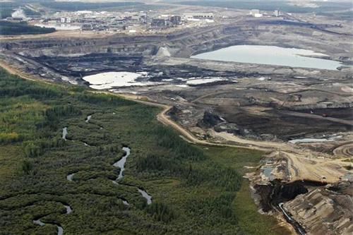 http://images.huffingtonpost.com/2010-08-27-tar_sands-open_pit.jpg