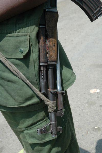 2010-09-08-kivu_gun.jpg